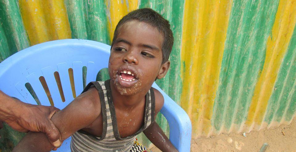 hyggelig-a-hjelpe-barn-som-trenger
